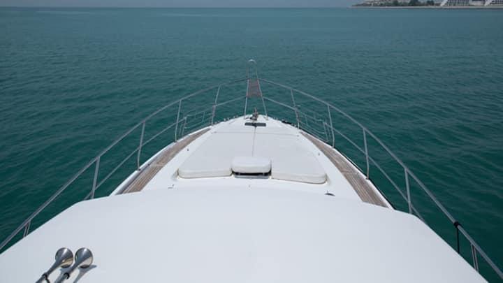 Champion 2 Yacht