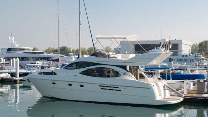 Cozmo 4 Yacht Dubai