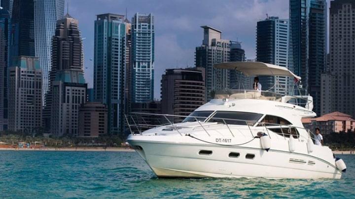 Cozmo 5 Yacht Dubai