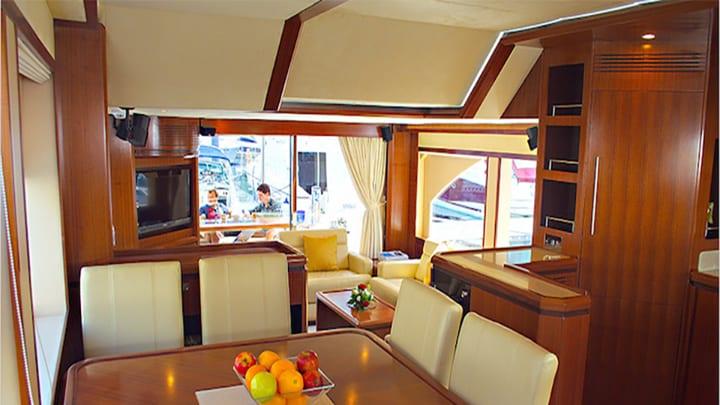 Jan 6 Yacht Dubai