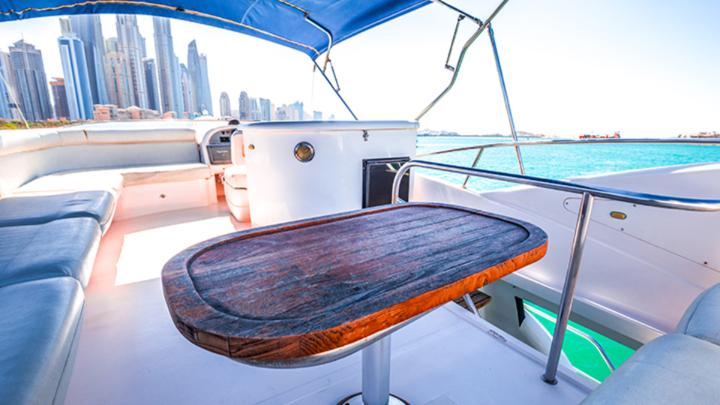 TOP 8 Yacht Dubai